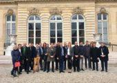 Visite de l'Assemblée nationale par des membres de l'Adel