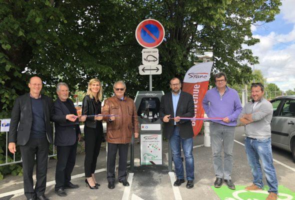 Valleiry / inauguration de la borne du SYANE de recharge pour véhicules électriques et hybrides