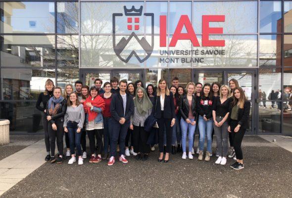 Annecy-le-Vieux / intervention devant les étudiants en L1 licence économie-gestion, parcours science politique et relations internationales