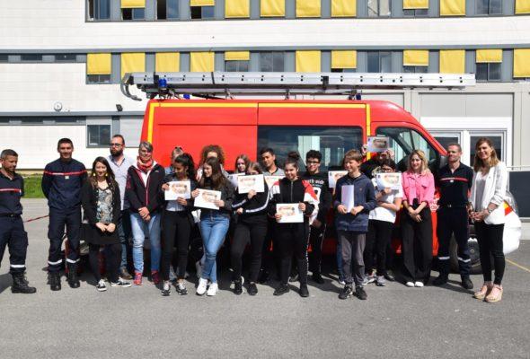 Ville-la-Grand / Remise des diplômes aux Cadets de la Sécurité Civile du Collège Paul Langevin