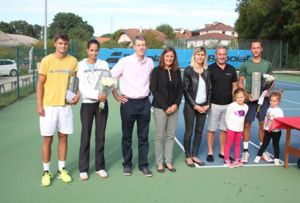 Remise des prix à l'Open du Genevois organisé par le tennis club de St-Julien