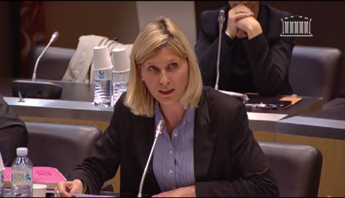 Questions à P. MOSCOVICI sur l'indemnité de résidence et les douanes