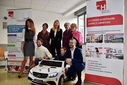 Hôpital de St-Julien / une voiturette offerte par le pilote Romain Grosjean