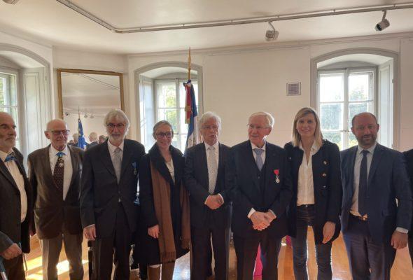 Gaillard / 🎖Remise des insignes de l'Ordre National du Mérite à Jacques Debuire