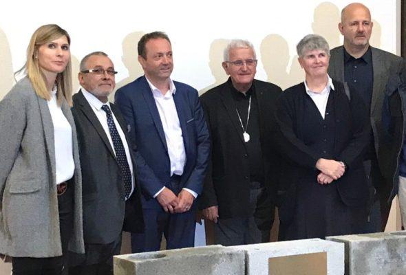 St-Julien / Cérémonie de pose de la première pierre du futur Lycée  – La Présentation de Marie
