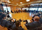 Annecy / visite du ministre de l'Industrie Agnès Pannier-Runacher en Haute-Savoie pour une table-ronde avec des acteurs économiques à la CCI de Haute-Savoie